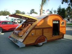Pismo Beach 2009 Vintage Trailer Rally Pismo Trail Along 097 – Vacations In A Can | Custom Teardrop Trailer Sales | Teardrop Trailer Rentals | Teardrop Designer & Builder | Vintage Trailer Repair & Restoration
