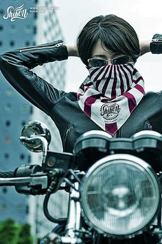 The design features the rising sun #rock #ロック #bandana #バンダナ #rck'nroll #ロックンロール #mask #マスク #rockandroll #ロカビリー #neckerchief #ネッカチーフ #rockabilly #バイク #shikon67 #motorcycle #オートバイ #bike #カフェレーサー #caferacer #ビンテージ #vintage Harajuku Japan, Biker Girl, Rockers, Bandana, Sunrise, Japanese, Live, Boys, Girl Motorcycle