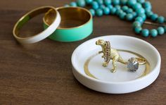 Dino Ring Dishes. Too cute! click thru to DIY
