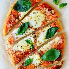 Ten minute naan bread pizza - super quick and easy to make pizza using shop-bought naan breads. Perfect for sudden pizza cravings! Hummus Pizza, Flatbread Pizza, Pizza On Naan Bread, Pizza Recipes, Appetizer Recipes, Appetizers, Vegetarian Recipes, Basil Recipes, Quick Recipes