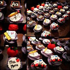 Teacher cupcakes Teacher Cupcakes, School Cake, Cupcake Heaven, Room Mom, Teachers' Day, Diy Projects, Baking, Eat, Cake Ideas