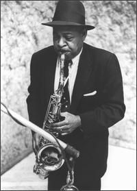 Find Coleman Hawkins bio, music, credits, awards, & streaming links on AllMusic - A jazz legend and the colossus of the tenor… Jazz Artists, Jazz Musicians, Good Music, My Music, Music Icon, New York City, Coleman Hawkins, Musician Photography, Writers
