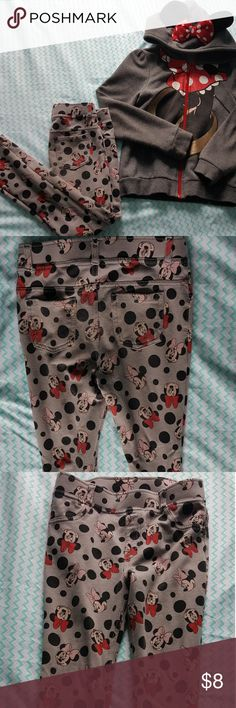 H&M Girls Minnie Mouse Jegging Pants H&M Girls Minnie Mouse Jegging Pants size 6-7. There is some  wear at the knee which is reflected in the price. Jacket is available in a separate listing. See images for details. H&M Bottoms