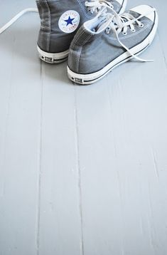 converse all star ♥ Grey Converse, Converse All Star, Converse Shoes, Men's Shoes, Shoe Boots, Converse Style, Grey Sneakers, Converse Chuck, Moda Masculina