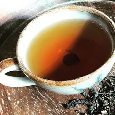 Need an immune boost today? Puerh & Gunpowder teas and peppermint 🍵We calls this lovely blend Flu-fighter! Take it at the first sign of sickness and pump as much of it as you can through your system.  We swear by it!
