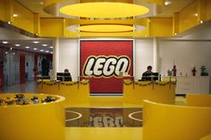Winning a design job a Lego Interesting article on the WSJ, which talks about Lego building workshops for candidates interested in working at the company.  http://online.wsj.com/news/articles/SB10001424052702303460004579193901642418812?mod=WSJ_hps_sections_careerjournal