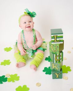 Clovers and coins on ground Monthly Pictures, Baby Pictures, St Patrick's Day Photos, Kid Photos, Holiday Photography, Photography Ideas, Children Photography, Newborn Photography, Photo Ideas
