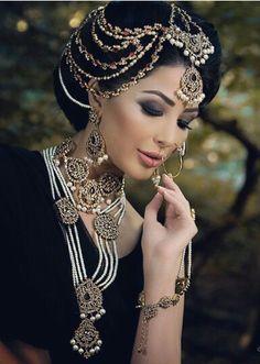 Pakistani Bridal Jewels.