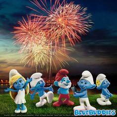 The Smurfs celebrate the Fourth of July! Classic Cartoon Characters, Classic Cartoons, Disney Characters, Cartoon Wallpaper Hd, Boss Wallpaper, Smurf Village, Pumkin Carving, Best Fireworks, Iconic Movies