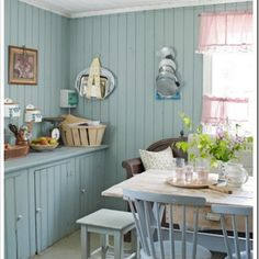 Shabby and Charming: The sprightly Teresa ... in the kitchen!