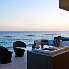 Modern Outdoor Furniture, Luxury Furniture, Outdoor Sofa, Outdoor Spaces, Furniture Design, Outdoor Decor, Rooftop Decor, Rooftop Design, Ways To Relax