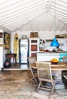 inspiring surf shack interior. / sfgirlbybay #beachcottagestylesurfshack