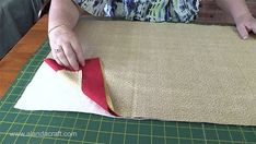 These table runners will make great gifts, also ideal for dressing up a Christmas table and don't have a lot of time. Quick and easy to make. Quilted Table Runners Christmas, Fabric Christmas Trees, Table Runner And Placemats, Fall Placemats, Table Runner Tutorial, Table Runner Pattern, Christmas Sewing, Christmas Patchwork, Christmas Quilting
