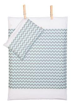 Bettwäscheset - Chevron grau-mint mit weiß von KraftKids auf DaWanda.com