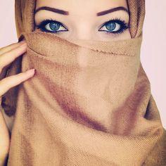 Beautiful eyes #hijab