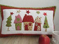 """tisch weihnachten Pillows - Quilt Pillow """"Christmas"""" - a unique product by Aksiny on DaWanda - # Designerstück Christmas Patchwork, Christmas Cushions, Christmas Applique, Christmas Sewing, Christmas Pillow, Christmas Stockings, Christmas Diy, Sewing Pillows, Diy Pillows"""