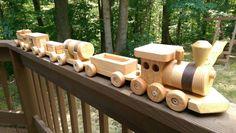 Set de tren de madera (coche 6) juguete hecho a mano grande roble y nogal herencia calidad maravillosamente a mano de acabado.