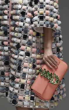 whore-for-couture: monsieur-j: Fendi Pre-Fall 2015 Haute. Fashion Details, Love Fashion, Runway Fashion, High Fashion, Fashion Design, Fashion Trends, Couture Fashion, Dior Couture, Editorial Fashion