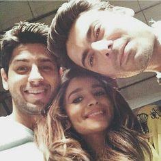 She (#Alia_bhatt) with her boyfriend (#sidharth_malhotra) .. Taking a selfie with #Fawad_khan !!  She looks damn cute !!