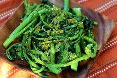 Broccoli Rabe with MV Sea Salt Once again the secrets are simple ones but make all the difference. Carmine shares his family's broccoli rabe secrets. http://www.mvseasalt.com