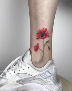 90+ Best Small Tattoos Of All Time For Girls - TheTatt Delicate Flower Tattoo, Small Flower Tattoos, Cool Small Tattoos, Pretty Tattoos, Tattoos For Women Small, Cool Tattoos, Tattoo Small, Sexy Tattoos, Ankle Tattoo Designs