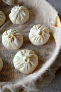 Our painstakingly tested recipe for authentic Chinese Soup Dumplings (xiaolongbao, 小笼包), with paper-thin dough enveloping pork filling and flavorful soup! Wan Tan, Ginger Pork, Dumpling Recipe, Steamed Dumplings, Chinese Dumplings, Pork Buns, Hot Soup, Chinese Restaurant, Asian Cooking