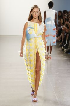 2461b3b2020f5 PARSONS MFA Spring 2019 Ready-to-Wear Collection - Vogue The New School