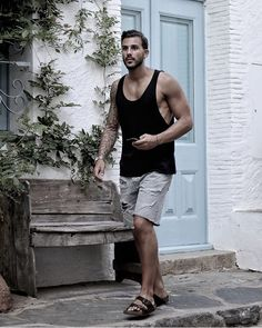 Mens Beach Shoes, Mens Flip Flops, Male Feet, Summer Looks, Flip Flop Sandals, Hot Guys, Tank Man, Short Men, Birkenstocks