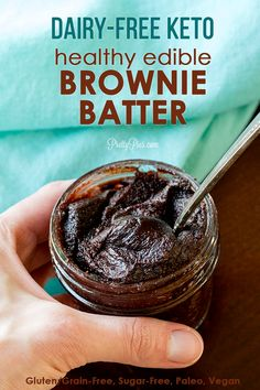 Edible Brownie Batter/Chocolate Cookie Dough (Keto, Paleo, Vegan) – Pretty Pies - Health and wellness: What comes naturally Healthy Chocolate Cookies, Chocolate Cookie Dough, Brownie Cookie Dough, Dairy Free Chocolate, Paleo Cookie Dough, Desserts Keto, Mini Desserts, Keto Recipes, Baking Recipes
