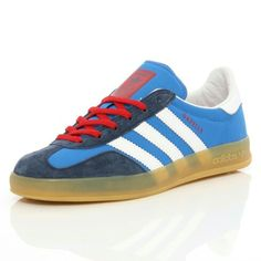 YET ANOTHER UNUSUAL COLOUR COMBO ON THESE GAZELLES ; BLUEBIRD WITH WHITE TRIM, NAVY TOE AND LACE TRIM WITH RED LACES. DON'T BE FOOLED BY ANYONE SAYING THESE ARE LIMITED EDITION COLOUR COMBOS - YOU CAN ORDER CUSTOMISED GAZELLES DIRECT FROM ADIDAS ONLINE - THIS FANTASTIC SERVICE ONLY COSTS AN EXTRA £10.00 IN THE UK AND YOU CAN CHOOSE THE COLOUR OF THE SUEDE UPPER, THE 3-STRIPES, HEEL TRIM, LACE TRIM PANEL, TONGUE AND TOE CAP. SO YOU COULD BASICALLY ORDER A PAIR WITH ALL THE COLOURS OF THE…