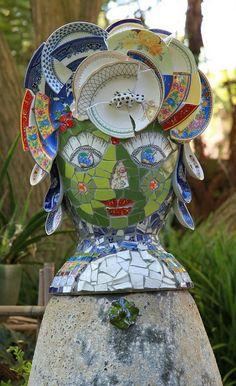 Green Mosaic Garden Goddess by Gillm Mosaics Mosaic Flower Pots, Mosaic Pots, Pebble Mosaic, Mosaic Garden, Mosaic Projects, Mosaic Ideas, Mosaic Stepping Stones, Mosaic Artwork, Front Yard Landscaping
