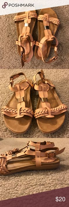 Top Moda Nude Strap Sandal Super cute nude strap sandal with gold accent and braided detail on strap. Never worn! Top Moda Shoes Sandals