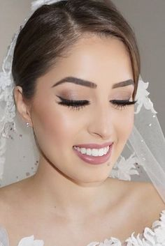 40 Amazing Wedding Makeup Ideas for Brides - # Brides . - Braut make up ideen - Wedding ideas Fresh Wedding Makeup, Natural Wedding Makeup, Wedding Hair And Makeup, Natural Makeup, Wedding Beauty, Makeup For Brides, Bridesmaid Makeup Natural, Simple Bridal Makeup, Bridal Makeup Tips