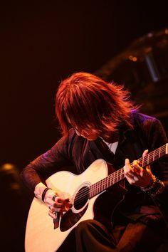 Guitar Magazine, Japanese History, Rock Groups, Heavy Metal Bands, Ulzzang Boy, Visual Kei, Beautiful Men, Pure Products, Artist