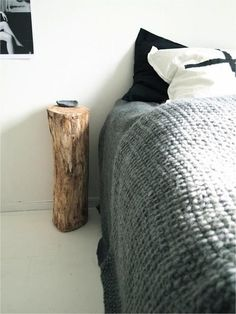 Bed side table from a log  #upcycle #furniture #DIY