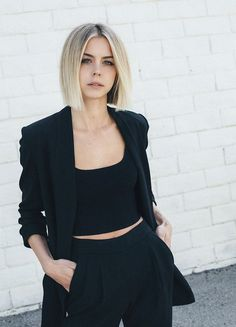 Muse: Color: Dominic Forletta Cut/Style: - New Hair Cut Choppy Bob Hairstyles, Bob Hairstyles For Fine Hair, Trending Hairstyles, Fall Hairstyles, Blonde Hairstyles, Blonder Bob, Corte Y Color, Brown Blonde Hair, Blonde Blunt Bob