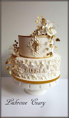 Girl communion cake - Cake by Lukrowe Czary Katarzyna Osiecka Baptism Food, Baptism Dessert Table, Baptism Desserts, Comunion Cakes, Christening Cake Girls, First Holy Communion Cake, Bolo Floral, 13 Birthday Cake, Royal Cakes