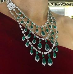 Classic, timeless and ever so elegant, this outstanding piece by is enough to grab you by the heart. Pear shaped emeralds radiate subtly and diamonds twinkle ✨ Emerald Jewelry, Gems Jewelry, Bridal Jewelry, Diamond Jewelry, Fine Jewelry, Jewlery, Lotus Jewelry, Jewelry Box, Jewelry Accessories