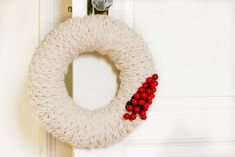 Finger-Knit Wreath–a Five Fabulous Finger-Knitting Project - Flax & Twine