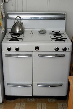 If you have an old appliance and want to throw it away, then call us at 813-210-0056 or visit us on our website at http://floridafreeappliancepickup.com to schedule a fast, reliable, and free service.
