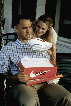 Tom Hanks and Robin Wright in Forrest Gump 90s Movies, Iconic Movies, Series Movies, Great Movies, Tom Hanks Forrest Gump, Forrest Gump Movie, Forrest Gump Quotes, Nike Cortez, Concert Posters