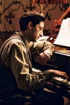"Adrien Brody in ""The Pianist"" Adrien Brody, Emilia Fox, Movie Shots, Movie Tv, Der Pianist, Drame, Movie Wallpapers, Iconic Movies, Film Serie"