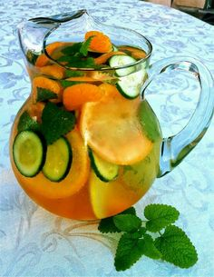 Fat flush water - Try it for 10 days and see what you think! Ingredients per 8 oz serving Water 1 slice grapefruit, 1 tangerine, ½ cucumber sliced, 2 peppermint leaves Ice – as much as you like