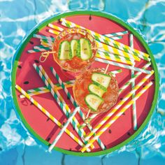 Eistee-Rezept aus Bio-Schwarztee mit Rhabarber. Outdoor Decor, Iced Tea Recipes