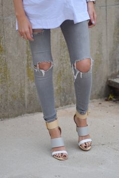 Ripped jeans and nude sandals