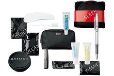 [Business Class] Delta Air Lines――デルタ航空  TUMI製アイマスクは着け心地も抜群。 アメニティケースは、高い耐磨耗性を持つバリスティックナイロン素材のTUMI製。TUMI製アイマスク、靴磨き用クリーム、マリン&ゴッツのローションなど、男心くすぐるラインアップが魅力的。