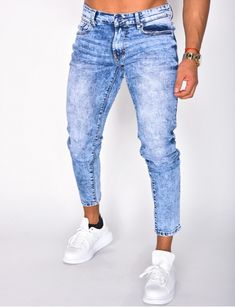 Jeans homme pas cher, jeans Redskins, jean Sixth June - Jeans Industry Men's Jeans, Blue Jeans, Mom Jeans, Jeans Homme Fashion, Mens Fashion, Men Street Look, Jean Délavé, Lance Mcclain, Colored Denim
