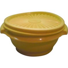 Tupperware 1323 Servalier Yellow Small Bowl With Lid