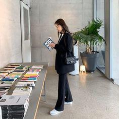 Korean Girl Fashion, Korean Fashion Trends, Korean Street Fashion, Korea Fashion, Look Fashion, Daily Fashion, Fashion Outfits, Cute Comfy Outfits, Cool Outfits