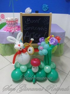 #dolcemania #aliceinwonderland #palloncini #balloons #balloonart #puglia #gargano #italia #allestimenti #sangiovannirotondo #coniglio #rabbit #bianconiglio